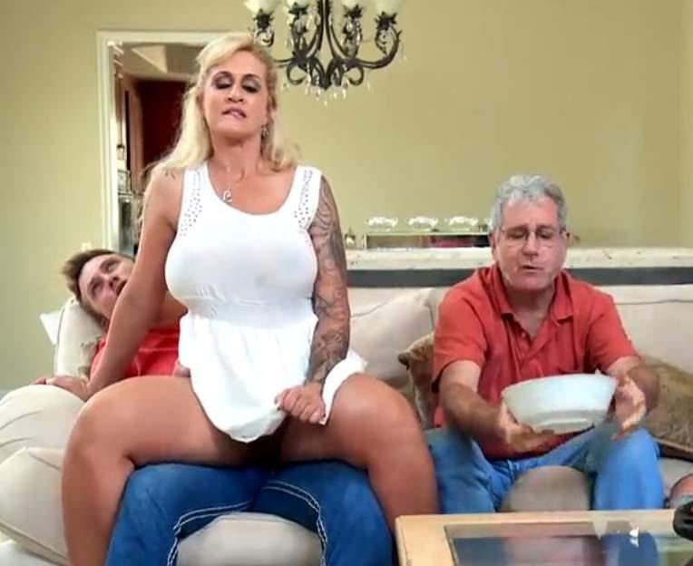 Sexo com madrasta gostosa